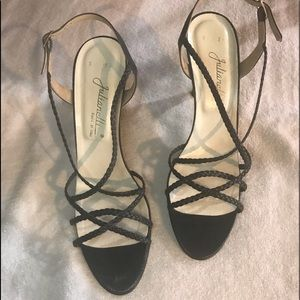 NAVY LEATHER STRAPPED SANDAL HEELS